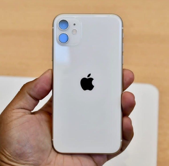 Смартфон Apple iPhone 11 (РСТ) 64GB White